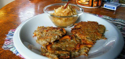 Latkes with Homemade Apple Sauce